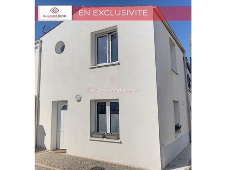 A vendre maison charron  115 000  €