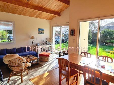 A vendre maison angles  197 600  €