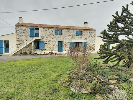 Vends maison challans  760 475  €