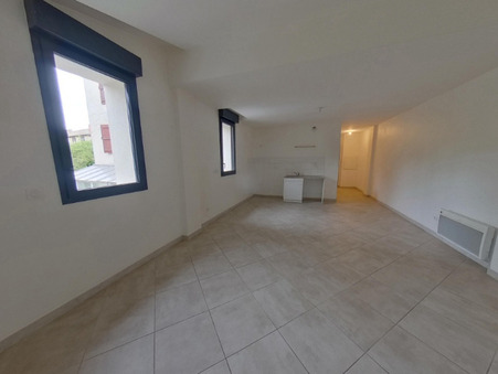 location appartement MANE 670 €