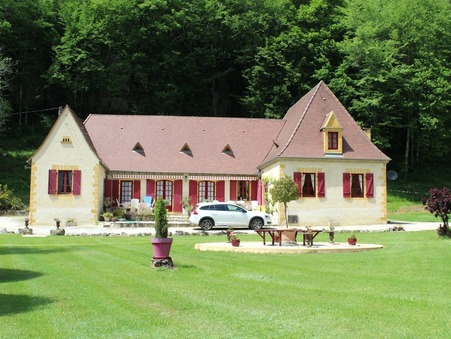 vente maison CASTELS  430 000  € 207 m�