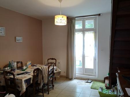 maison  440 €