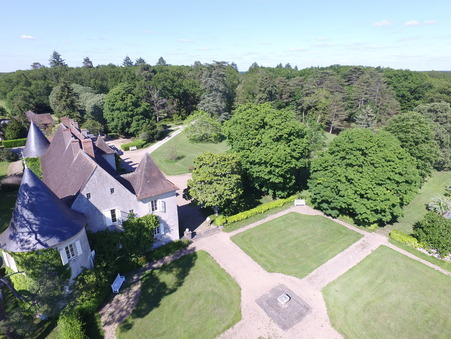 chateau  880000 €