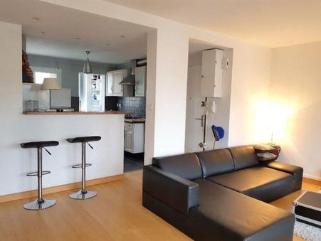 appartement  915 €