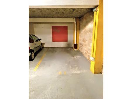 parking  160 €