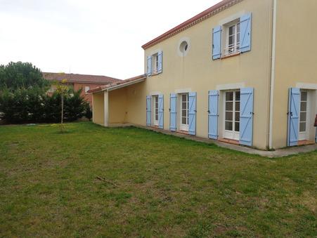 maison  1230 €