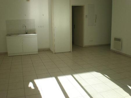 appartement  857 €