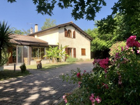 Vente maison LE TAILLAN MEDOC  581 000  €