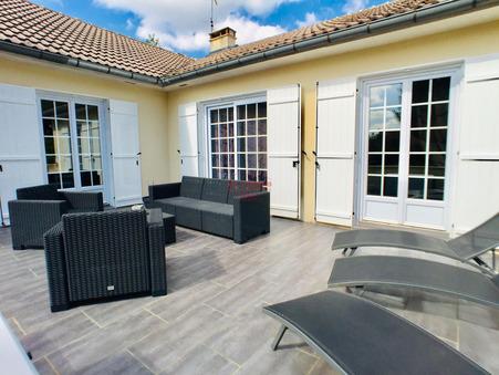 vente maison URY  430 000  € 166 m�
