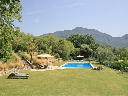 vente propriete A 30 MIN DE GERONA 2 520 000  € 1450 m²