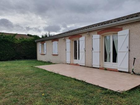 maison  940 €