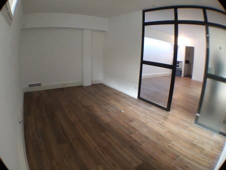 Loue local PLAN DE CUQUES 50 m²  830  €