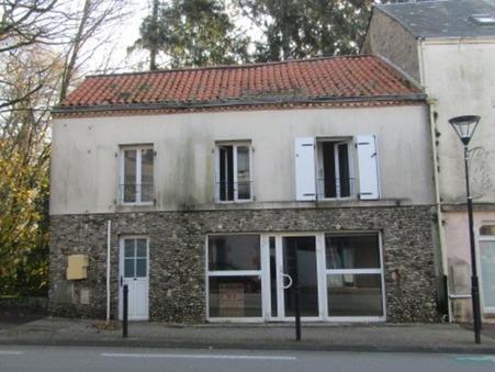 A vendre immeuble Pouzauges 84 400  €