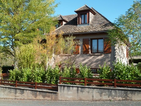Vente maison Saint-Cyprien-sur-Dourdou  225 750  €