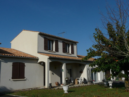 maison  311400 €