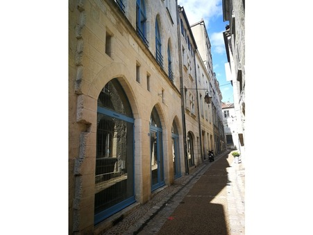 Achat local PERIGUEUX  246 100  €
