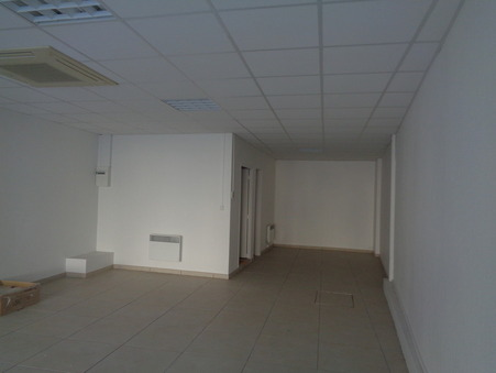 location local PITHIVIERS 70m2 780€