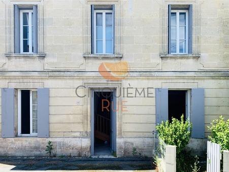 A vendre maison AMBARES ET LAGRAVE  190 000  €
