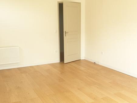 location appartement CROIX 927 €
