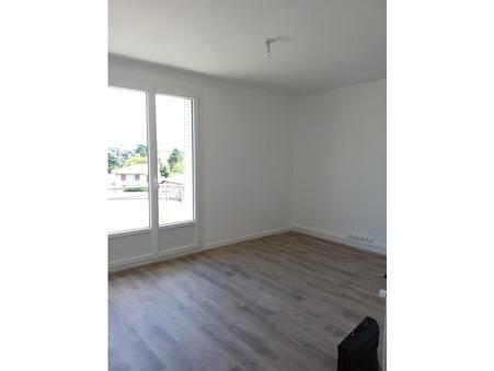 Location appartement GUILHERAND GRANGES 65 m²  585  €