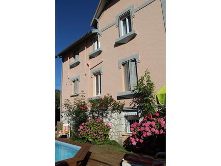 Vente maison PINEUILH  328 600  €