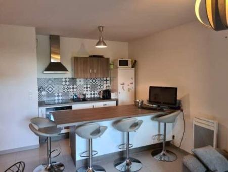 appartement  910 €