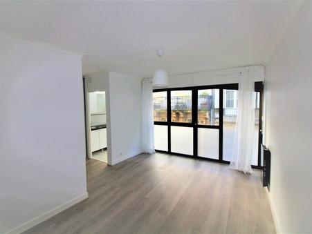 Louer appartement BORDEAUX  698  €