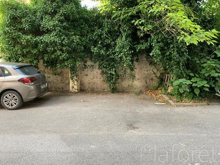 Parking montpellier 80  €