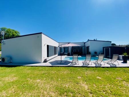 Vente maison Saintes  441 000  €