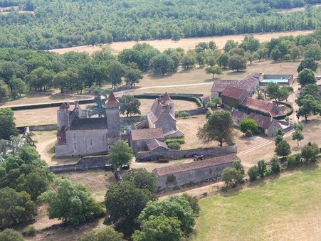 A vendre chateau CAHORS 2 570 000  €