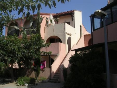 location appartement port leucate  200  € 35 m²