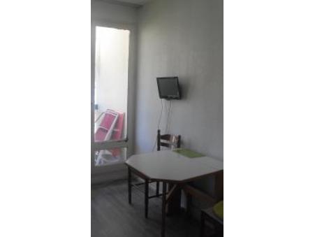location appartement lamalou les bains  120  € 18 m²