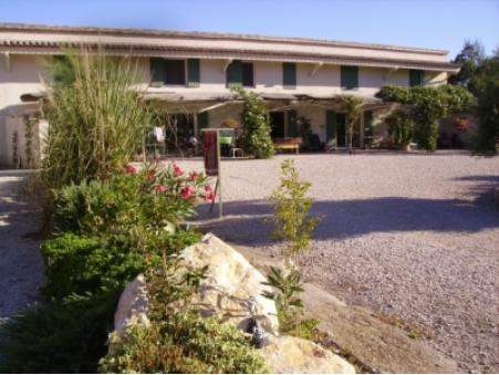 location gite graveson  400  € 75 m²