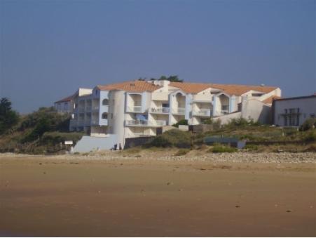 location appartement longeville sur mer  308  € 36 m²