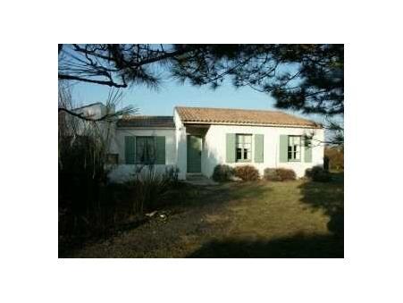 location maison les portes en re  895  € 85 m²