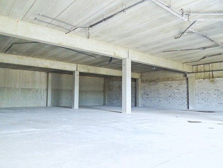 location entrepot CHATEAUNEUF LES MARTIGUES 2 750  € 600 m²