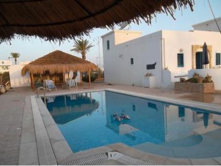 location maison djerba  300  € 120 m²