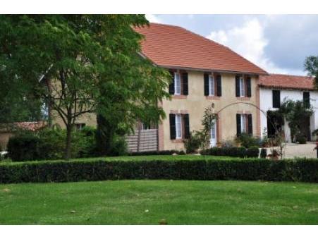 location gite parleboscq  650  € 260 m²