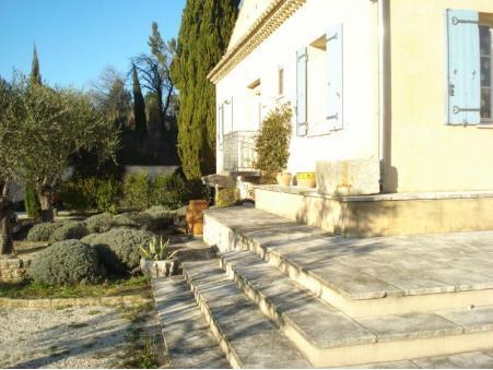 Vends maison proche centre Saint Remy De Provence  850 000  €