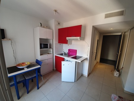 location appartement Nice  550  € 23 m²