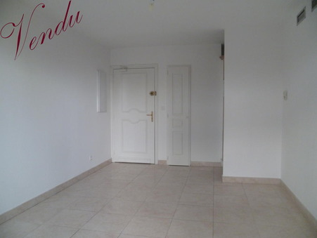 Vends appartement Hyeres  135 000  €