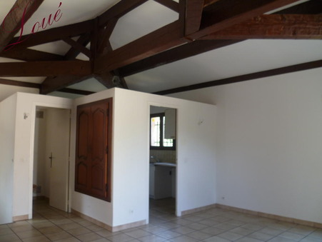A louer maison Hyeres 75 m²  925  €