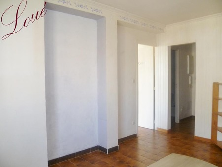 A louer appartement Hyeres 33 m²  540  €