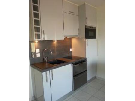 location appartement antibes  430  € 27 m²