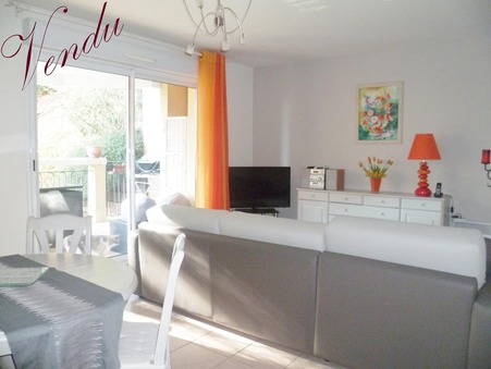 Vends appartement Hyeres 57 m²  239 000  €