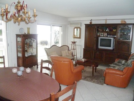 Vente appartement Hyeres 101 m²  280 000  €