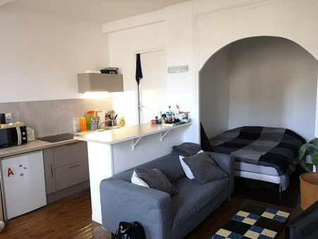 Louer appartement Valence  376  €