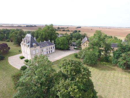 chateau  397500 €