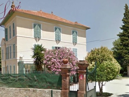 01 location appartement HYERES 820 €