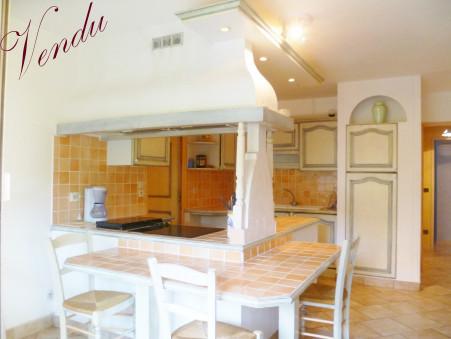 10 vente appartement HYERES 174000 €